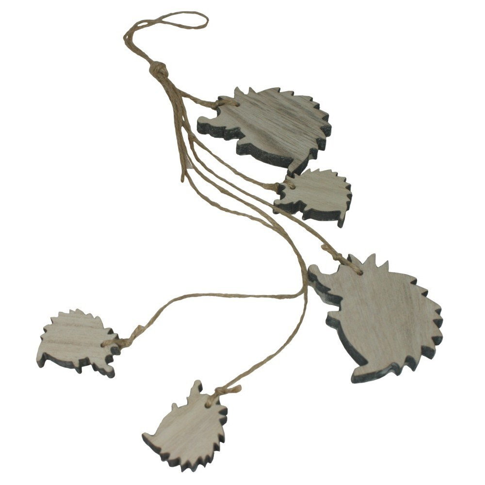Dřevěná dekorace - girlanda ježci